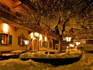 119083_Gasthaus_Weberbauer_Winterromantik_Terrasse.jpg