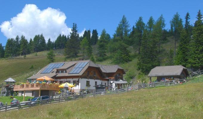 Weitwandern Via Natura Dreiwiesenhütte (c) Bild: Dreiwiesenhüte