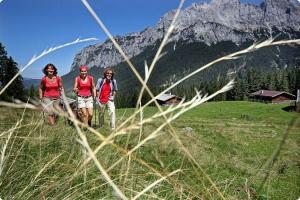 Weitwandern Route der Klammen Saalachtal Saalachtalweg Salzburg