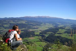 Wandern und Weitwandern entlang der Via Natura in der Steiermark (c) Naturpark Zirbitzkogel-Grebenzen