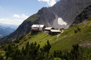 Weitwandern Gruttenhütte Going Badesee Weitwandern (c) Wilder Kaiser TVB