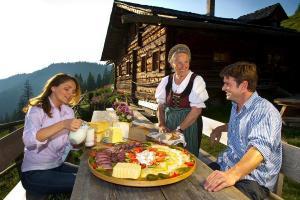 Salzburger Almenweg Weitwandern Sonnenaufgangsfrühstück