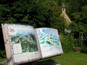 Weitwandern entlang der Via Natura (c) Naturpark Zirbitzkogel Grebenzen