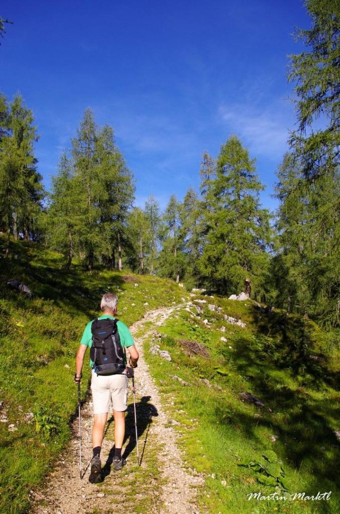 Aufbruch in den neuen Tag: Auf unserer Nord-Süd-Route durch das südliche Tote Gebirge. (c) Martin Marktl