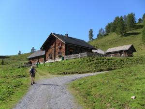 Weitwandern am Salzburger Almenweg - Gamskogelhütte (c) SalzburgerLand Tourismus