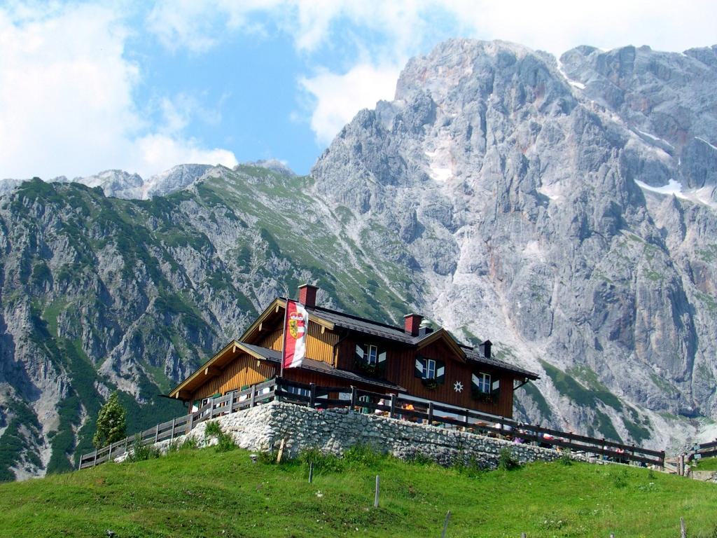 Hochkoenig_Wandern Aktiv_Hochkoenigs Via Alpina Tour-majesttaetisch Wandern ohne Gepaeck_Region Hochkönig