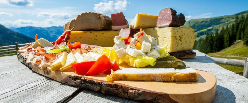 salzburger-almenweg-jause-gross