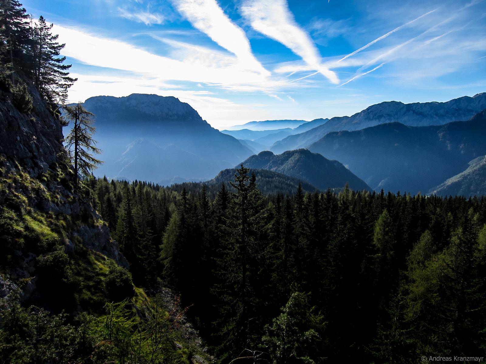 Herrliche Panoramaausblicke entlang des gesamten Weitwanderweges