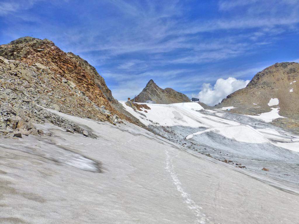 Entlang der Etappe 2 müssen auch Gletscher überquert werden