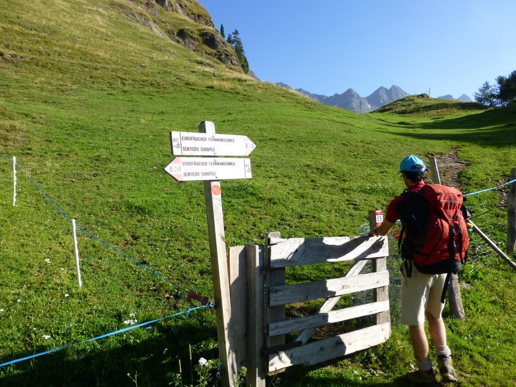 Entlang der Etappe 4 des Ötztal Treks verläuft außerdem auch ein kurzer Abschnitt des Weitwanderwegs E5