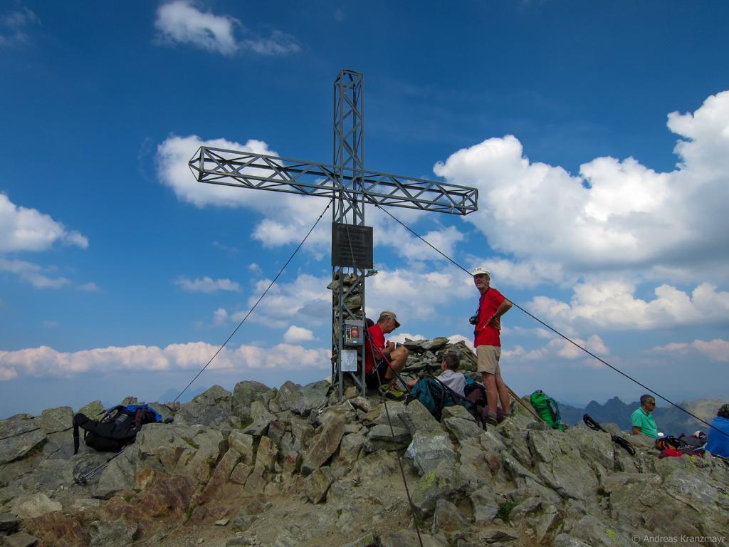 Durch die Klafferkessel geht es hoch bis zum 2.618 m hohen Greifenstein