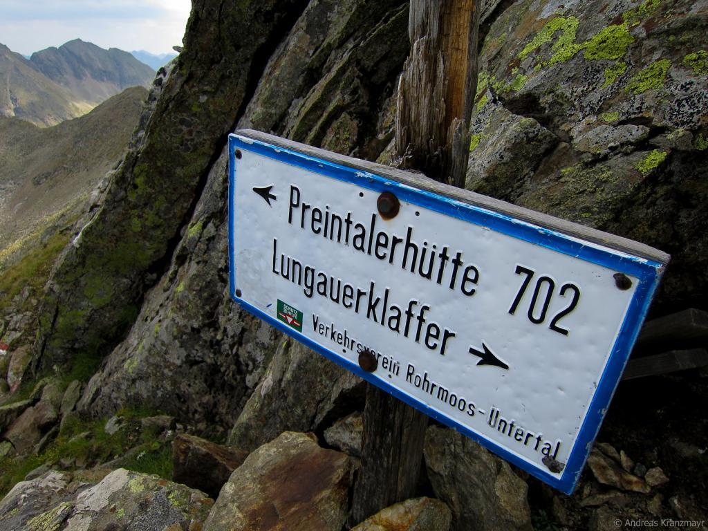 Dem Weg 702 Richtung Preintalhütte folgen...