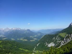 Wunderschöner Panoramablick auf die Berge