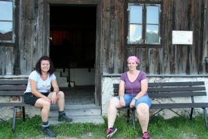 Etappe7-Wanderung-Soleweg-Rast-Solestube-Eck-Foto-Ebenlechner-Petra