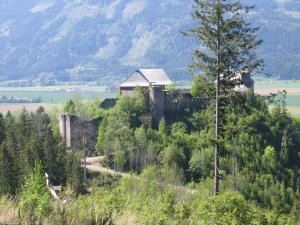 Die Ruine Dürnstein ist schon zu erkennen...