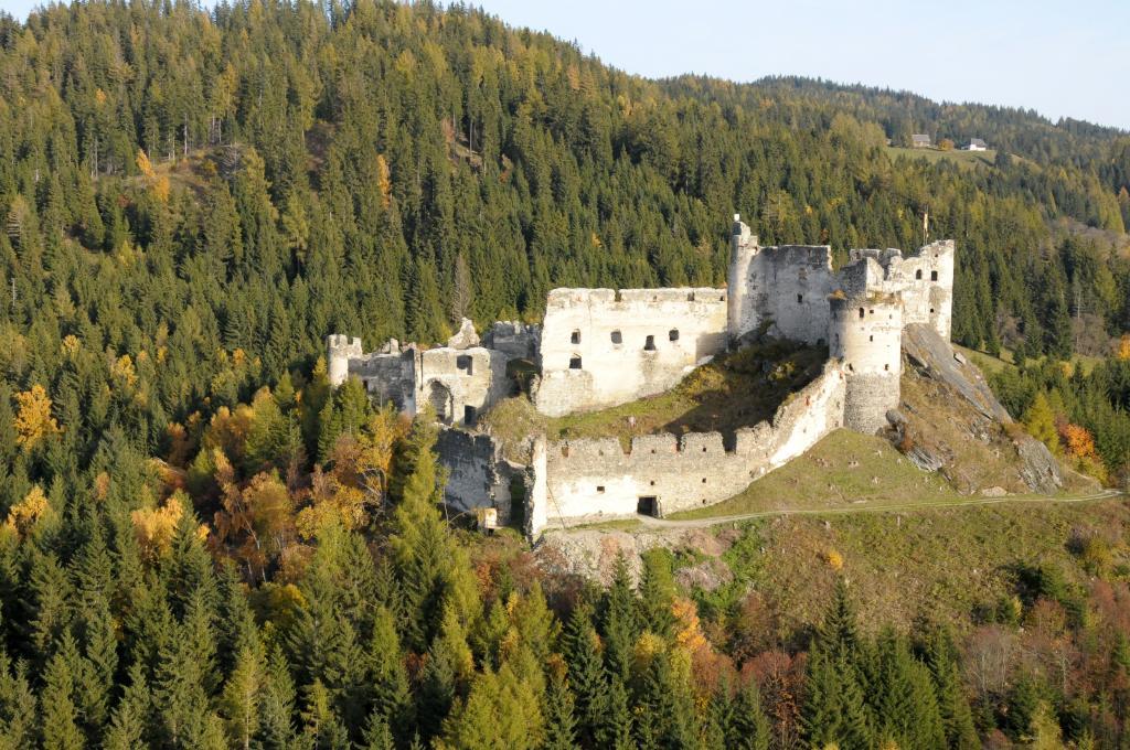 Das beeindruckende Steinschloss, © Naturpark Zirbitzkogel-Grebenzen, Egon Mürzl