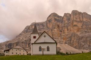 Wallfahrtskirche Hl. Kreuz© La Val