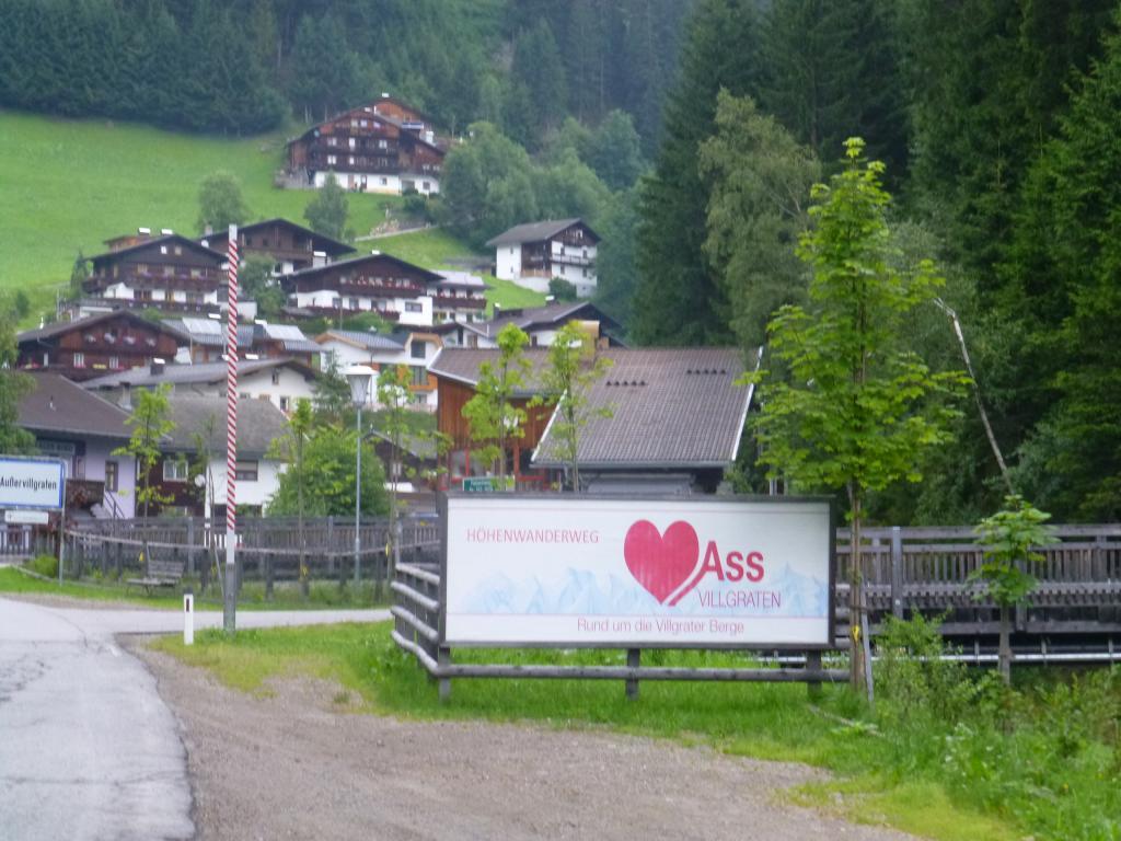 Der Weitwanderweg Herz-Ass-Villgratental ist durch das rote Herz gekennzeichnet