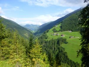 Schöner Blick hinunter ins Tal