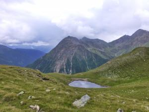 Auch kleine Bergseen gibt es hier