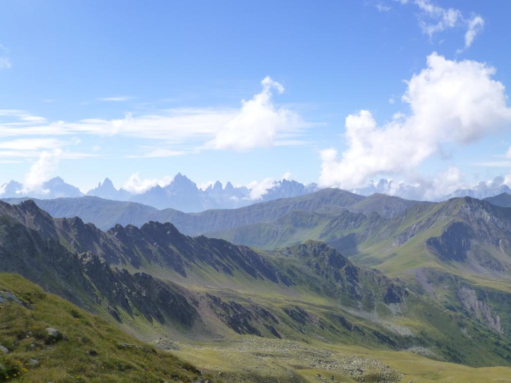 Wunderschöner Ausblick auf die umliegende Bergwelt