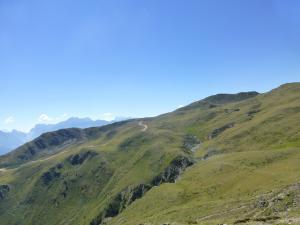 Nochmal die Aussicht auf die weit entfernen Berge genießen