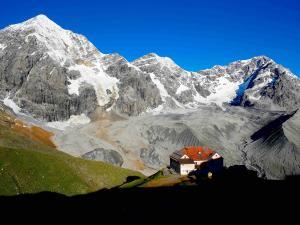 Almhütte_Hochgebirge_Gletschern©pixabay