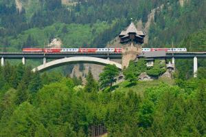 Bahnanreise bei Burg Falkenstein / Klaus Dapra