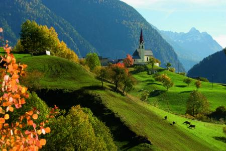 oetz_ortsaufnahme_herbst © Ötztal Tourismus